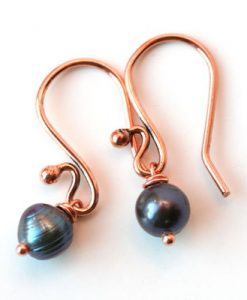 dainty-copper-black-pearl-drop-earrings-1697-400