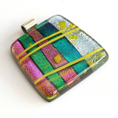 dichroic-candy-fused-glass-pendant-1344-400