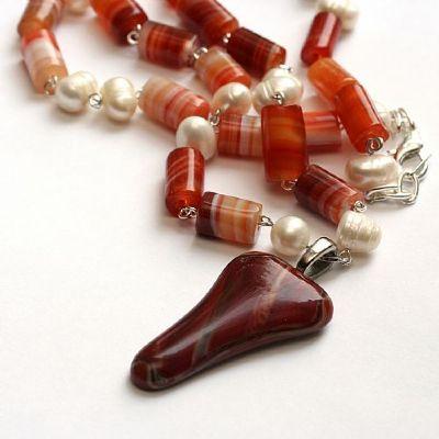 nectarines-and-cream-necklace-690-400