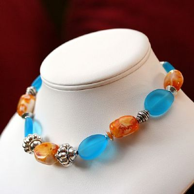 silver-puffs-necklace-437-400