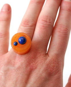 vintage-orange-lucite-cocktail-ring-1604-400
